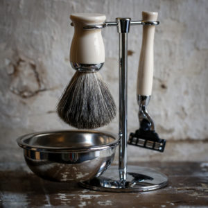 Grooming Hardware